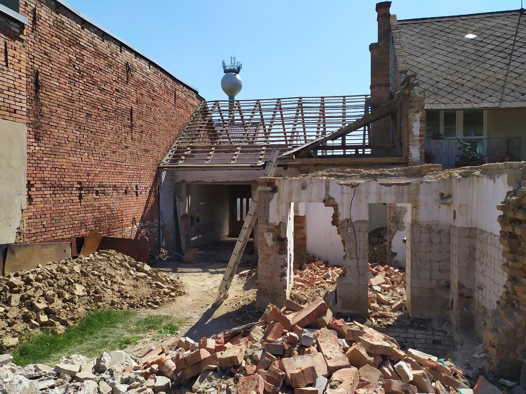 Bourání staré a stavba nové řadovky - Obrázek č. 39