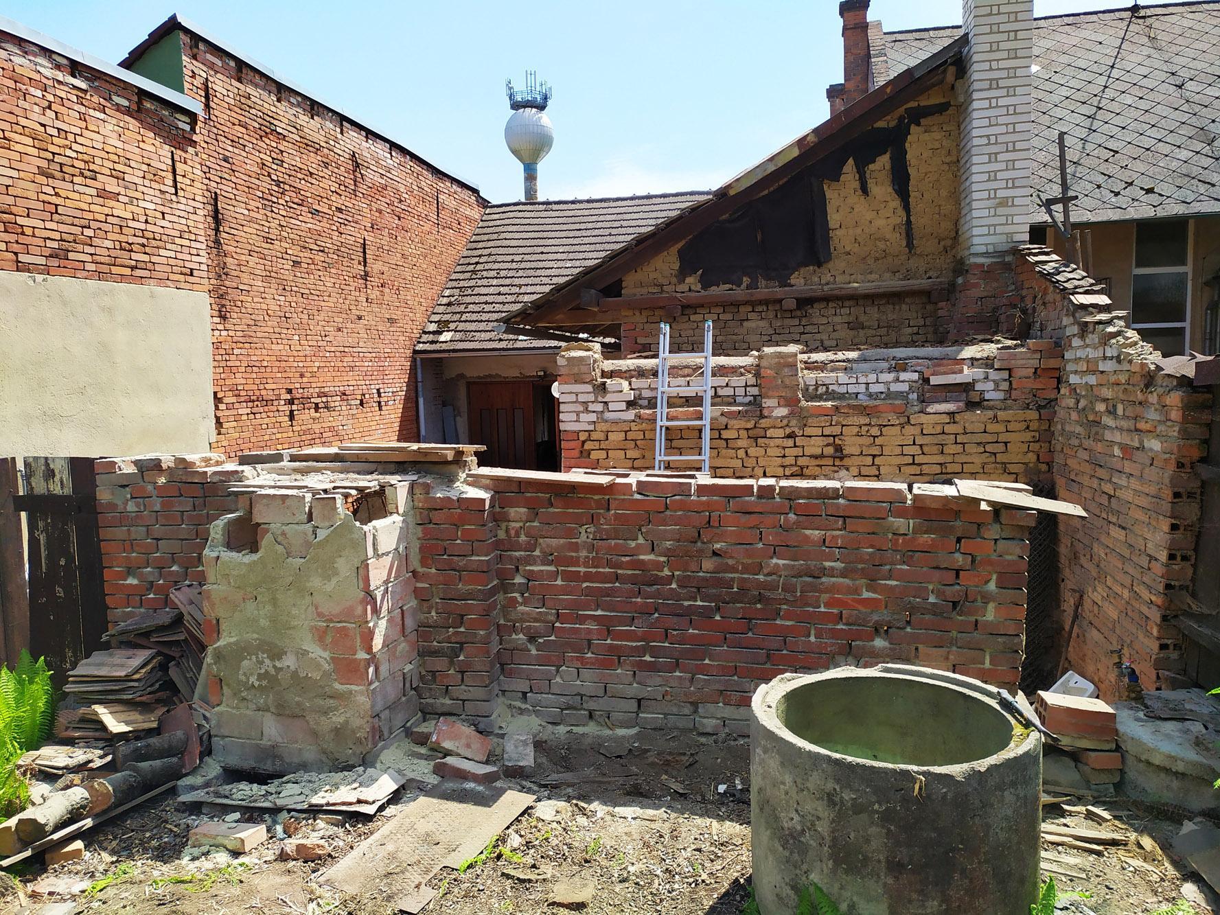 Bourání staré a stavba nové řadovky - Květen 2020