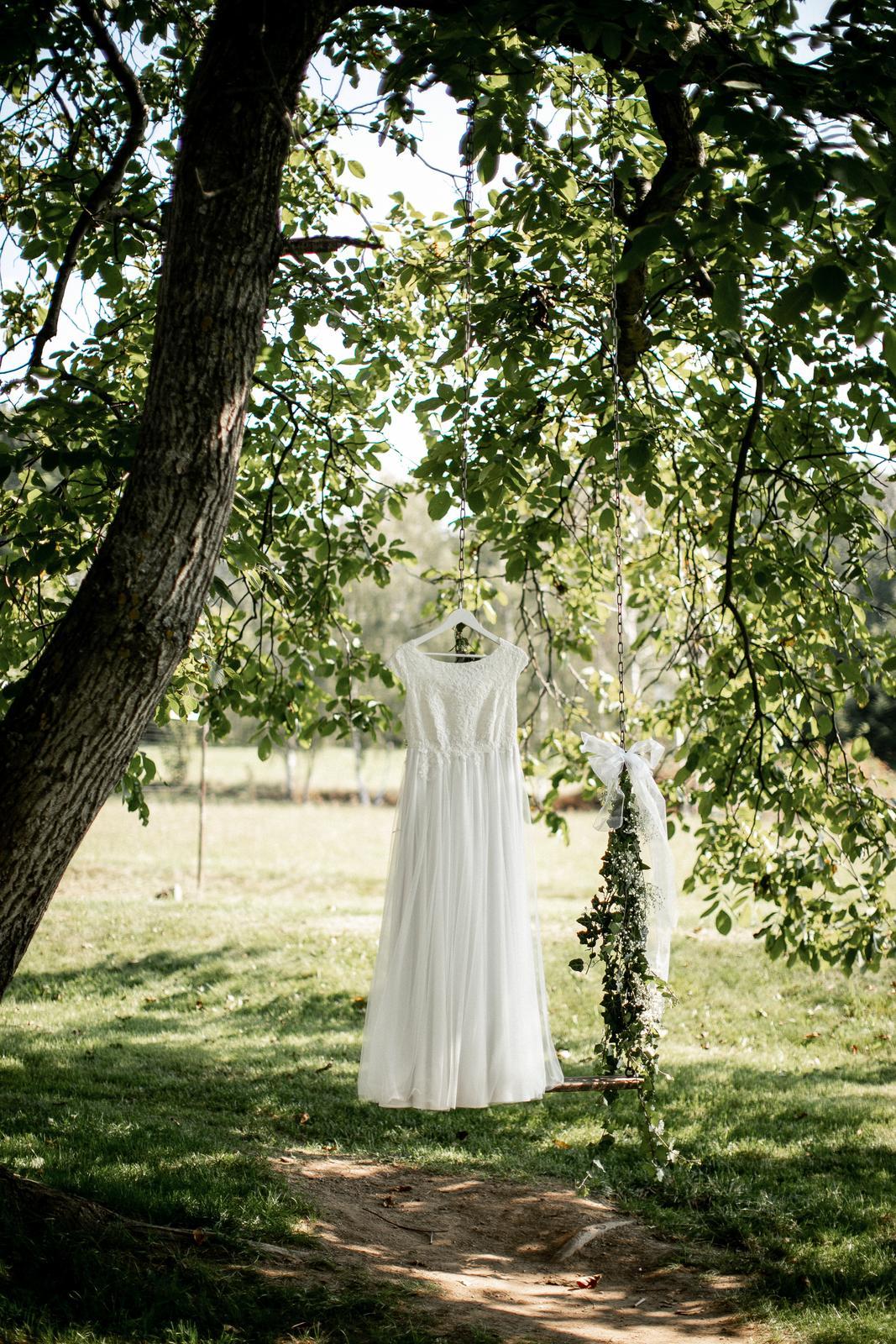 Svatební ivory šaty šité na míru - Obrázek č. 1