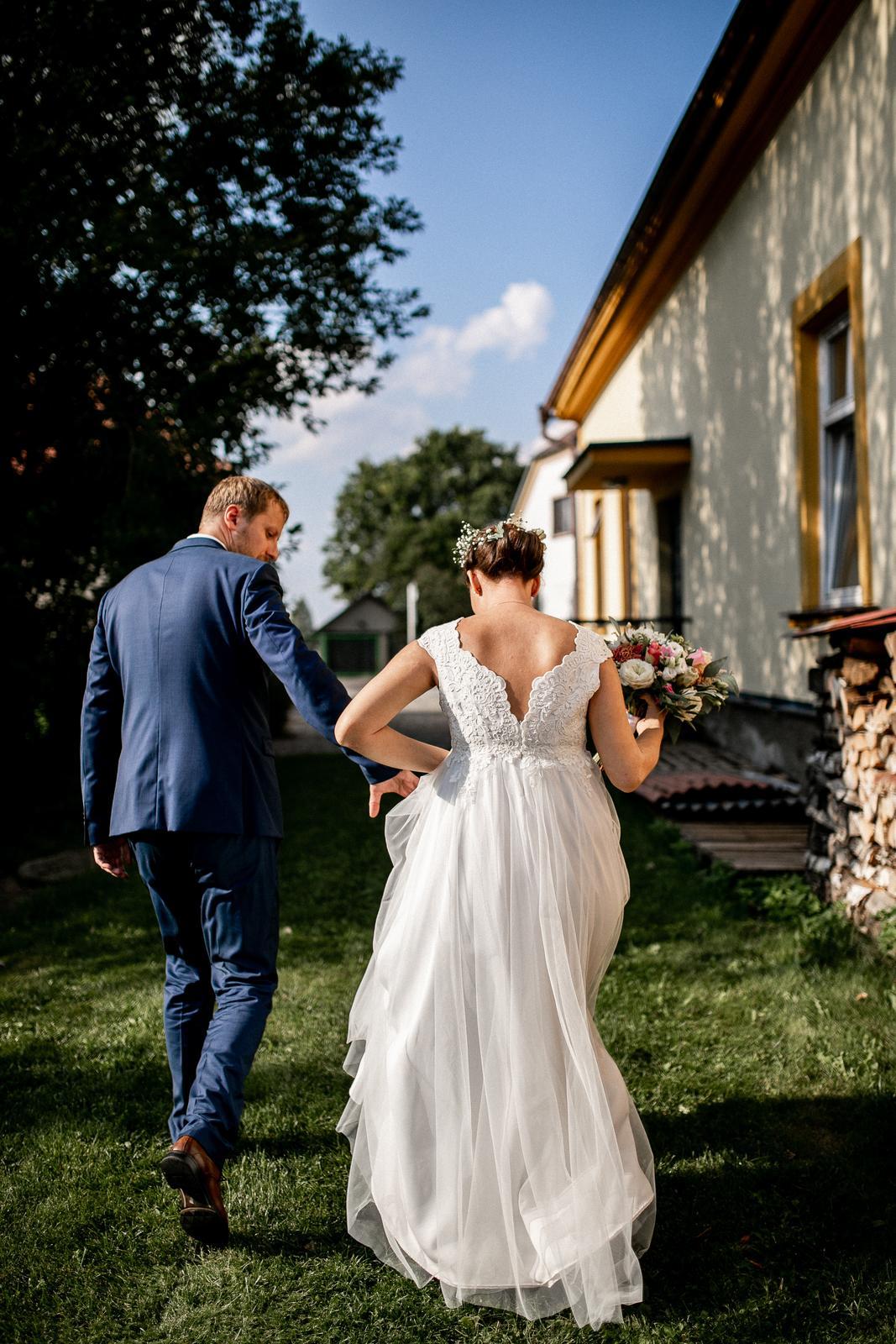 Svatební ivory šaty šité na míru - Obrázek č. 2