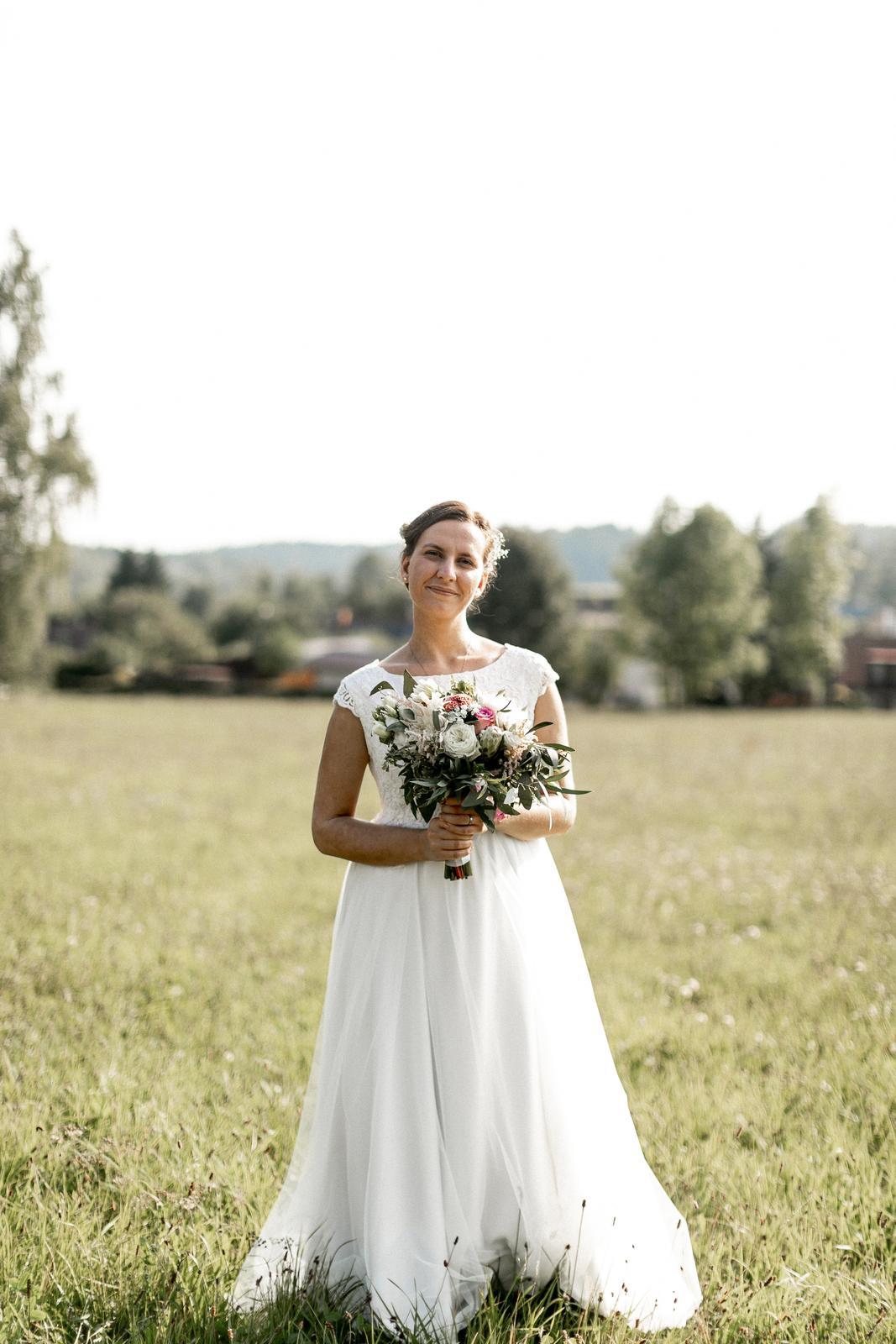 Svatební ivory šaty šité na míru - Obrázek č. 4