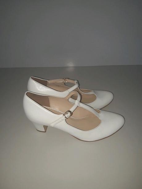 Bílé boty na podpatku 39 - Obrázek č. 1