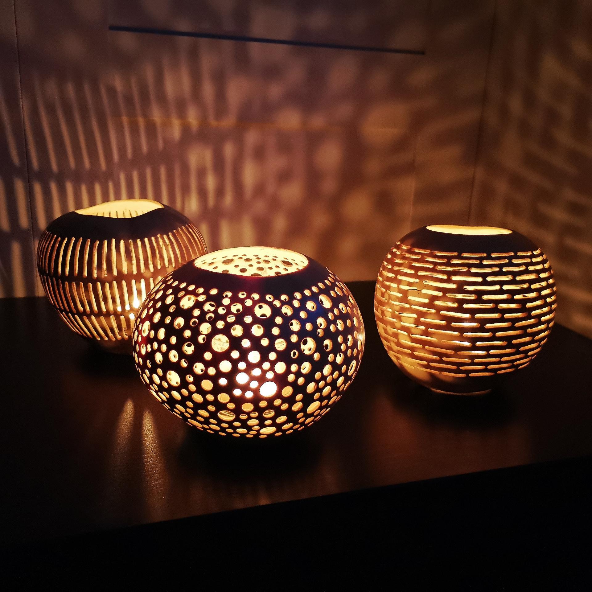 Kdo by rád naše kokosové svícny z www.idylo.cz, na Instagramu jsem o ně dnes vyhlásila soutěž, tak mrkněte🕯❤ Krásný večer od nás🌙 https://instagram.com/idylo.cz - Obrázek č. 1