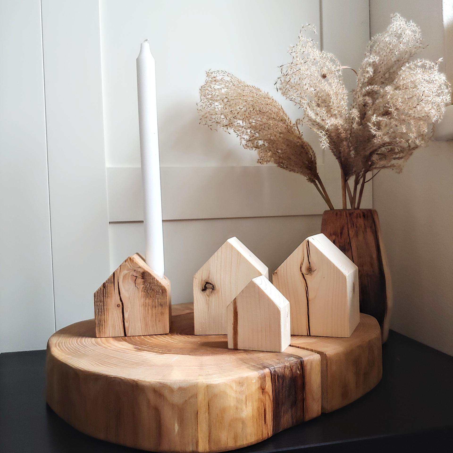 Dřevěná kolekce na www.idylo.cz 🖤  Mám obrovskou radost, že Vám můžu dnes představit kolekci, na kterou jsem se strašně moc těšila a musím se chodit pořád kochat tou krásou. Masivní dřevěné vázy, květináče, podnosy, podšálky, domečky - vše vyrobeno s láskou a rukama v Česku, v malé rodinné dílně ❤ - Obrázek č. 1