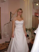 (šaty č. 4) taky nádherné