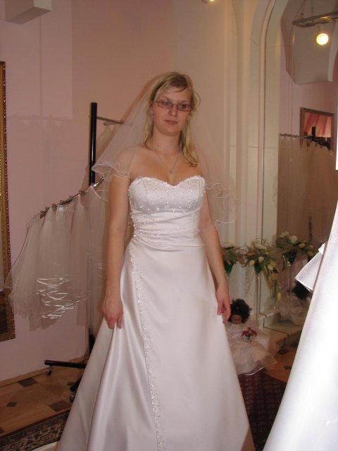 Svatba A+P, šaty - (šaty č. 4) taky nádherné