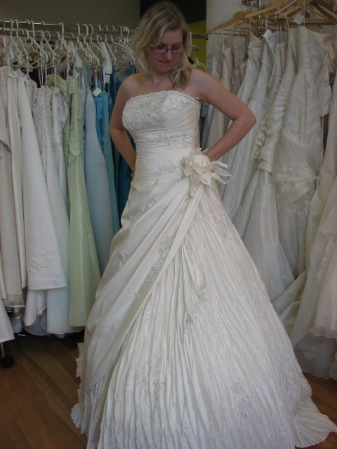 Svatba A+P, šaty - šaty River, láska na první pohled :-) (šaty č. 4)