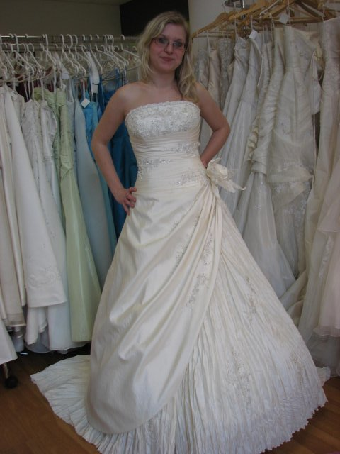 Svatba A+P, šaty - (šaty č. 4)