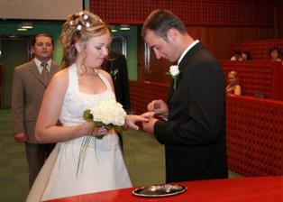 týmto prsteňom si Ťa beriem za ženu.....