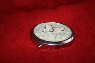 Darček od drahého k výročiu.. zrkadielko