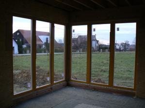 Okno v obýváku - škoda, že nevyšlo nedělené, ale toto byla levnější verze...
