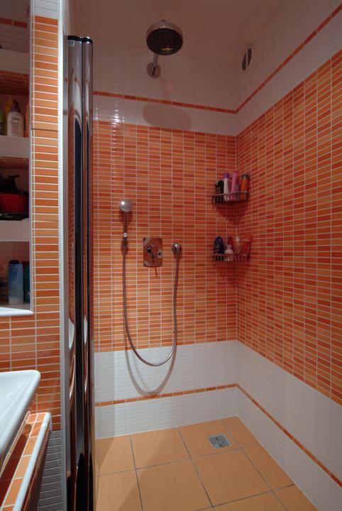 Moje sníčky - riešenie: namiesto vane sprchový kút. poradte čo je lepšie? vana alebo sprchový kút, mame klasicku malú panelákovú kupelnu