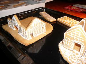 začínám stavět domy :)