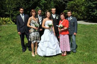 brácha,mamka,taťa,já,manžel,švagr,tchýně