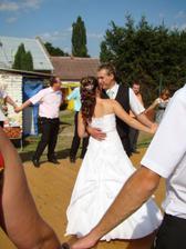 první společný taneček novomanželů
