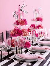 krásná kombinace růžové, pílé a černé
