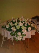 naša ikebana na hlavný stôl