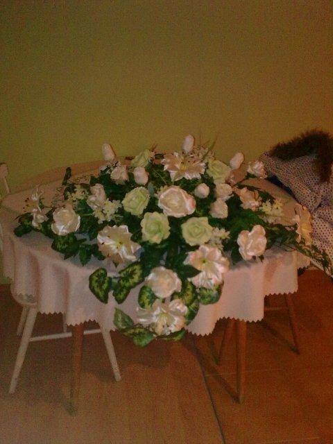 Naša svadba 26.06.2010-prípravy - naša ikebana na hlavný stôl