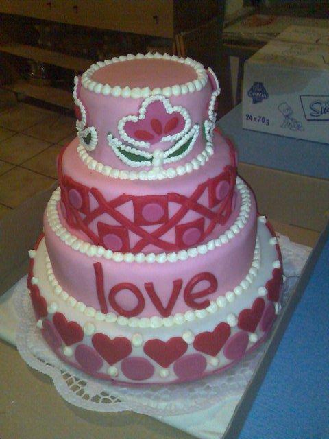 Fotočky - tuto super tortu sme dali spravit kamoske.....