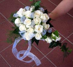 bílá s trochou lila:)
