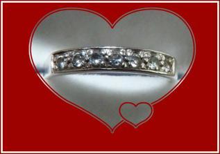...můj snubní prstýnek...