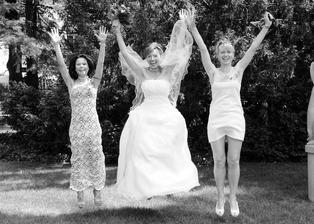 """tři """"Grácie"""" - švagrová Verča, já a sestřenice Lucka"""