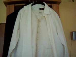 aj so smotanovou košeľou