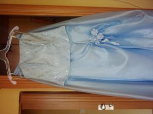 tak toto sú moje popolnočné šaty, môj budúci manžel mi ich kúpil a veľmi mu ďakujem