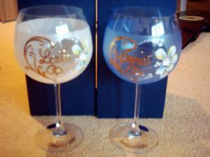 naše nádherné svadobné poháre, sú naozaj pekné