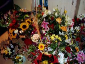 toľko kvetov som v živote nedostala, bola to nádhera