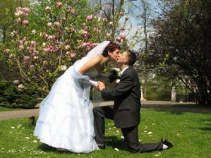 Manželátka v parku:-)