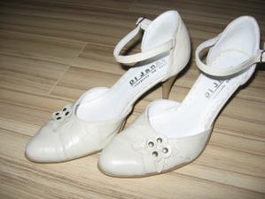 ak budu boliet nozicky zo svadobnych, tak si dam tieto...