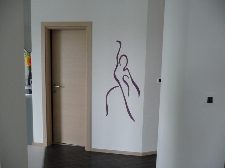 Takto byvame .... - stena vyzerala prázdna, tak sme sa rozhodli pre takúto maľbu