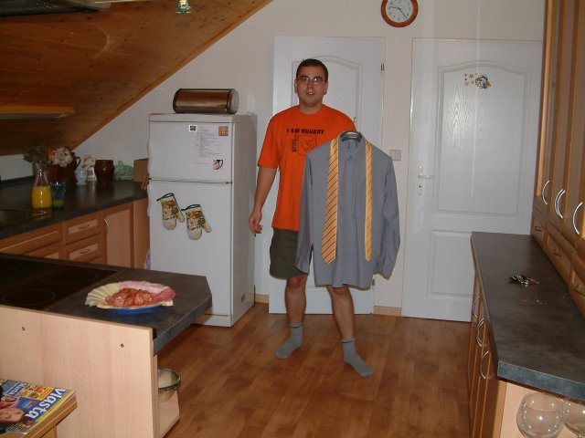 Lucka{{_AND_}}Petr - Ještě doma... ženich se chystá do sprchy