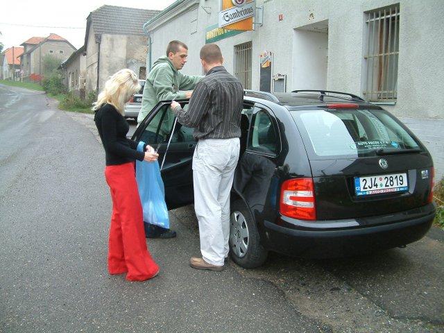 Lucka{{_AND_}}Petr - Zdobení aut