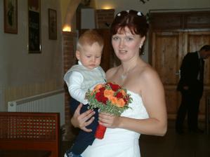 Nevěsta s nejmladším svatebčanem