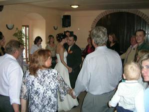 Novomanželský tanec