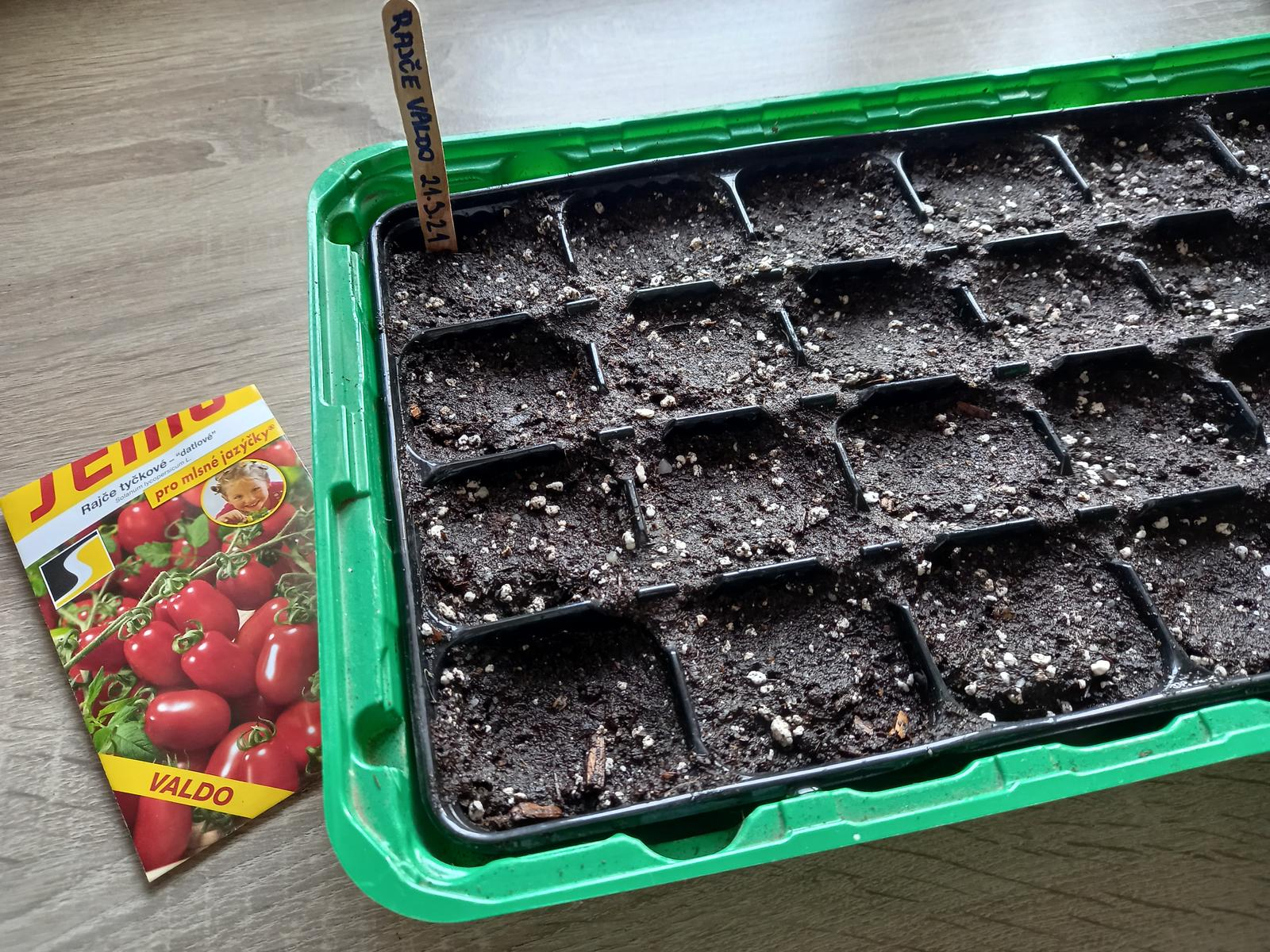 Jedlá zahrada - Kolem Josefa se vysévají rajčata 😊