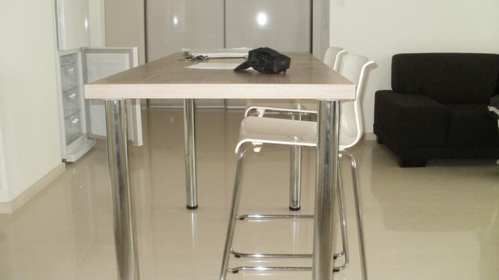 Kuchyna s obyvkou - stolové nohy za 20ku ako dočasné riešenie