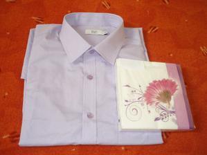 Košile na převlečení a kapesníčky na stůl