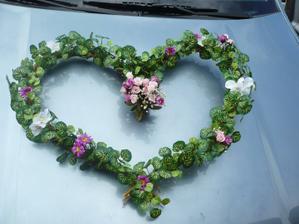 Naše srdce na auto.... tady ještě bez přísavek