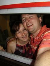 toto sme my, stastny nekonecne, asi aj takú fullteeth fotku treba urobyt na svadobné , nevesticky, odporúcam ze sa fotte dopredu a skúsajte vás najocarujúci úsmev aby nie na den D ste mali s tym problémi ze co mi pristane co nie :)