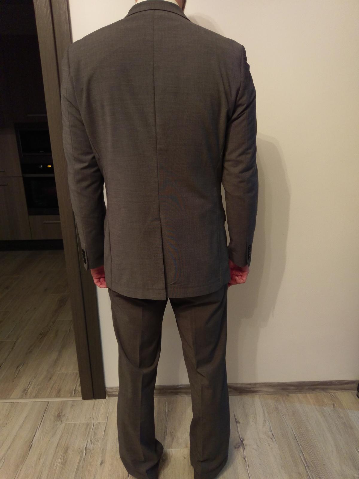 Sivy oblek - Obrázok č. 2