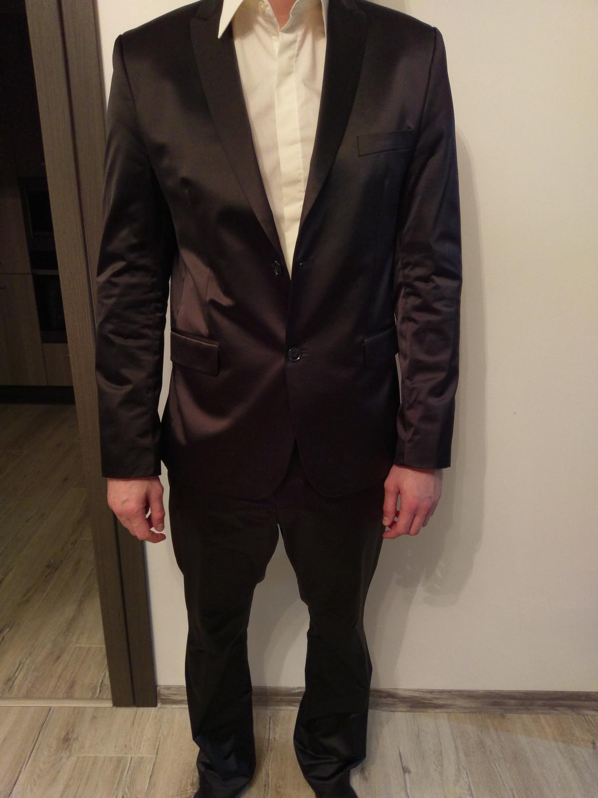 Cierny oblek - Obrázok č. 1