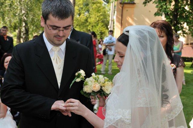 Tímea Poláková{{_AND_}}Tomáš Kasnyík - Veľký prstienok..