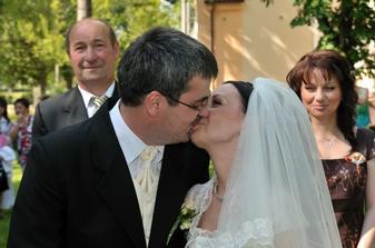 Náš Prvý Manželský Bozk!