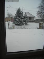 pohlad z kuchynskeho okna 14.1.2013