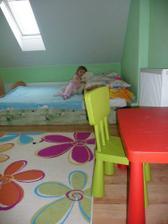 ...kym sa dokonci spalna, pridruzili sme si postel do detskej...