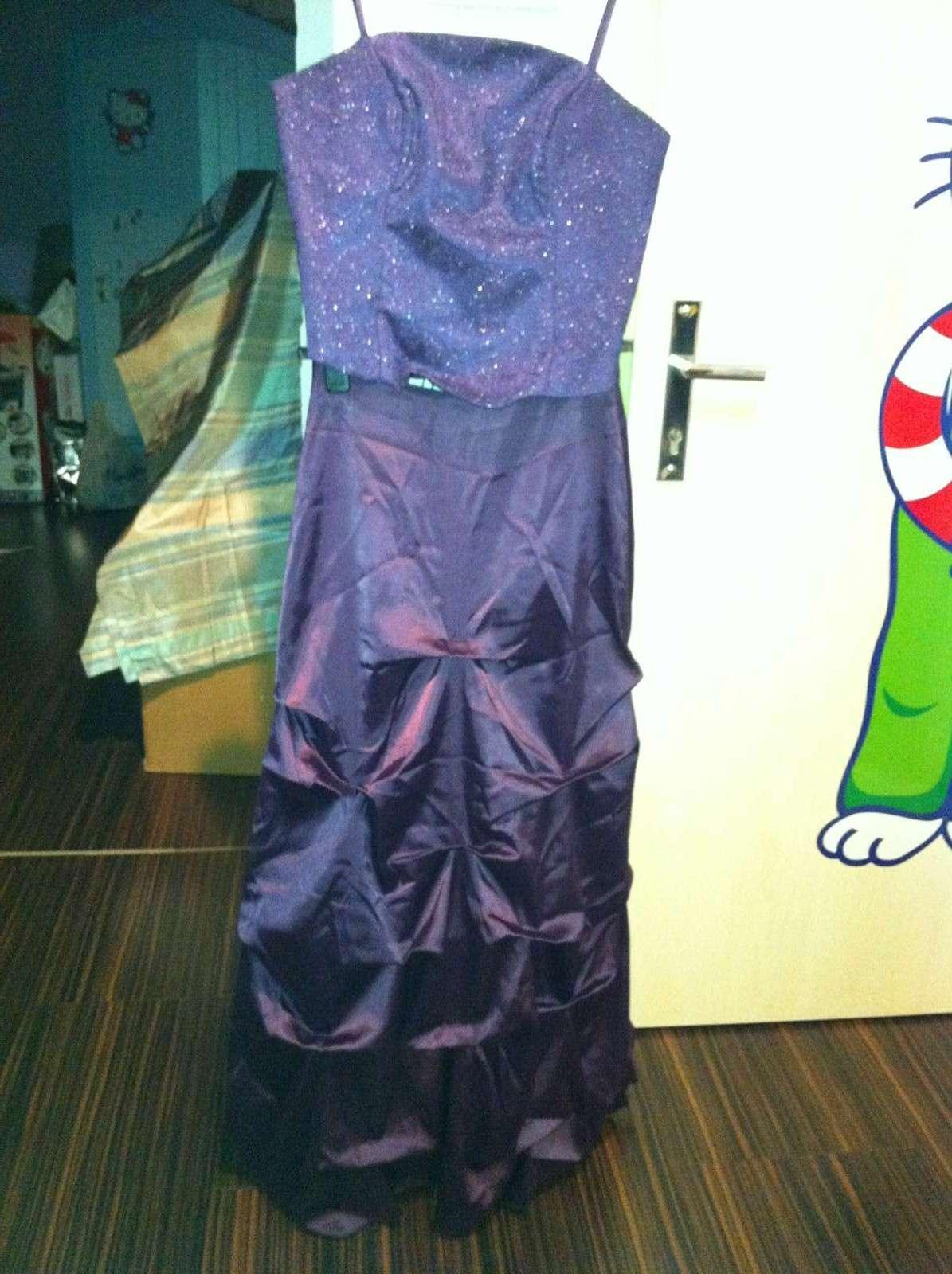 Spoločenské šaty aj s kabelkou - Obrázok č. 1