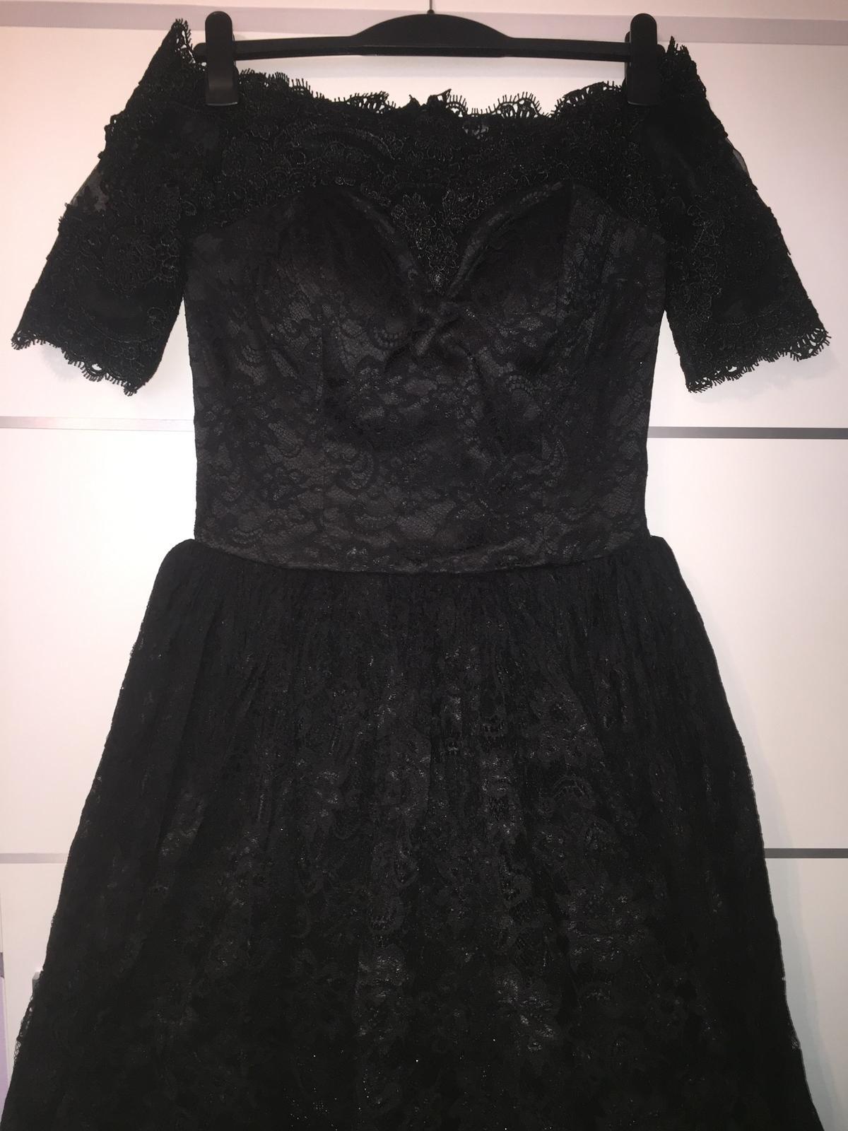 Famózne čipkované šaty s vlečkou - Obrázok č. 2